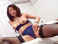 Busty japanese, لباس زیر زنانه, مکیدن part1