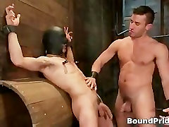 Dude gets his gay cock sucking in gay part3