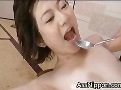 Cute Asian Babe Sucer et Baiser part1