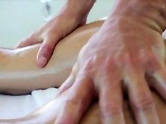 Muscley tube porn alhamid hunk gives sensual massage