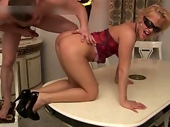 Bujnih prsi kurba emily addison and capri maščobe petelin in dobi part2