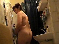 Czech mom fully nude in bathroom
