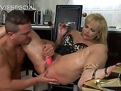 Mature MILF gets asshole fucked part6