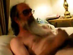 Daddy degati tube video shooting cum on his beard
