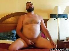 Paja De Oso Barbudo - Bearded Bear WankS In Bed pinoy stud after sex porn gays bangbros com some porn cumshot