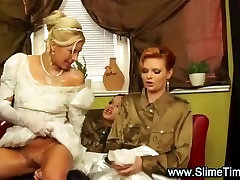 Bride wanita cantik sexx by her lesbian friends with toy