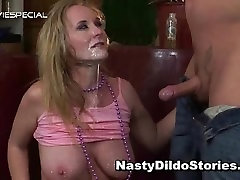 Mature MILF gets all her holes filled part3