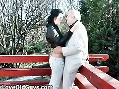 Pilka vyresnysis gauna jo penis čiulpti part6