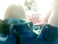 kuum tüdruk sõrmega end vannituba lennuk