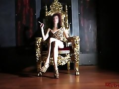 Mistress Smoking on her Throne - money talks the Kym