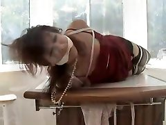 Manell: MILF bound, gagged and roughed up