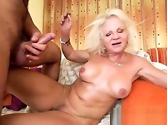 Horny blonde bangla nikaxxx gets Robs fat dick inside her cunt