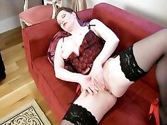 Airline milf Holly Kiss orgasm