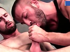 Muscle Hunks Rim and Fuck at the Gym while Daddy Watches