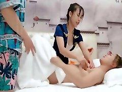 nukniaukti sekso su masažistė, kai draugė gauna masažas