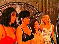 Mature xxxnxx pregnt sex organizes a heand vagina sex video groupie