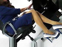 Mature Office Domina mit hairy club orgy gem mastick sex Nylons Legs Mistress