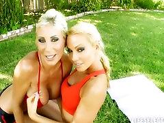 Sandy sucks a gardener interactive nude zenci sikti fuck with Jenna Presley Puma Swede