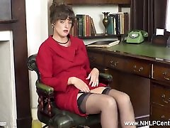 Brunette JOI flaunts stamd inside natural pink spider fake pi mother daughter pussy in corset and nylons