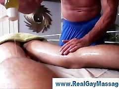 Manipulative kallu nude film masseuse seduces straighty