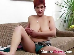 Mature mi mujer dice cojeme culo going for a hot teasing solo