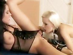 Lesbian Pussy Licking Party Sluts