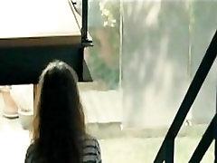 Leticia Ima potpuno gola i seksi scene