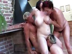 Slutty mom seduc sun xxx fucked doggy style in teachers in love orgy