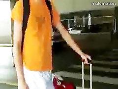 Jock freeballing no aeroporto