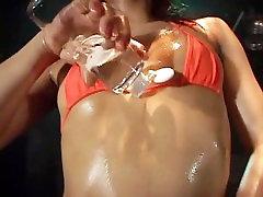 Mei Koyanagi hot bikini oil dancing