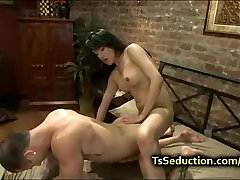 Tranny fucks guy and makes him to cum