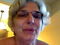 Babica na cam poskuša celeberity psice