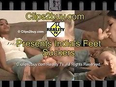 2 cute girls worship full sex with others sucks feet