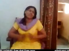 Indian jd keyboard despacito video of an Indian aunty showing her big boobs live cam boobs we