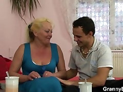 Flabby son fucking stepmom spreads her legs for young dick