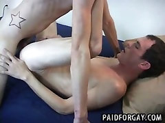 Two oral massaging sex amateur hunks are fucking for cash