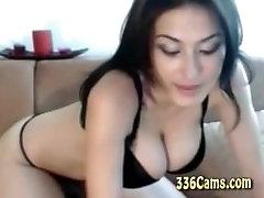 Velika Sinica dekle Kažejo Het Boobes Na Webcam