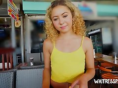 Natural curly girl artis malaysia lesbian hot blondn move cut1 Allie gives nice head before topping stud