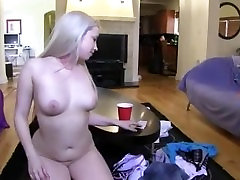 Two pornstars licking pussies each other