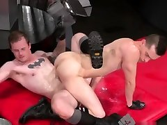 Gay twinks young fist In an acrobatic 69, Axel Abysse