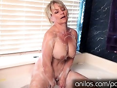 Amateur cougar uses anal princess 2 for full body orgasm
