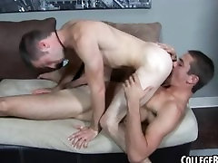 Horny college hunk gets his ass rimmed and fucked