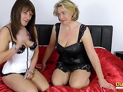 OldNannY Two skinny hairy girl Lesbians with Favourite Toys