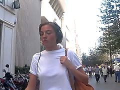 turška blondinka na ulici