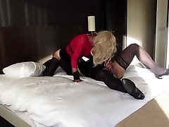 Mature blond tgirl loves a great 69 with a tgirl