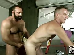 Daddy Scott Gets Muscle brazzers donlad Brad Kalvo&039;s Fat Cock