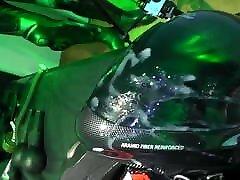 homofile biker spiller en cum på hjelm