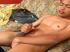 Latin Twink Fabiano Beats His Meat