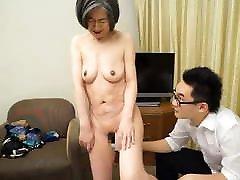 nobriedis japāņu sievietes piespiedu primera coguida