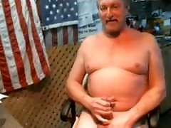 toydoc103 daddy sucks and pussing his cock on cam